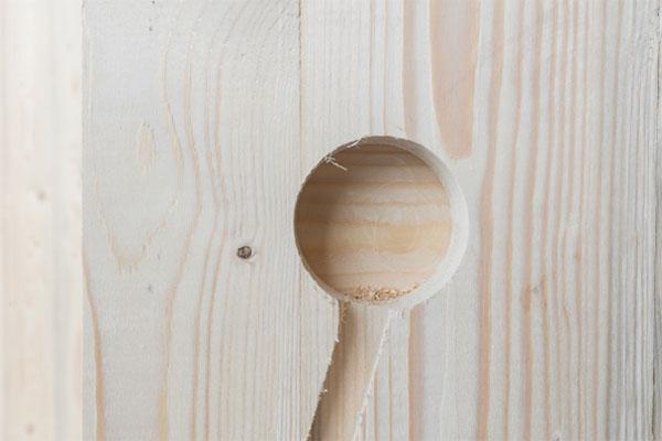 detail van houten muur